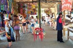 Atacames mercado de artesanas